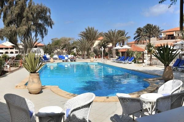 Cap vert ile de sal hotel morabeza piscine