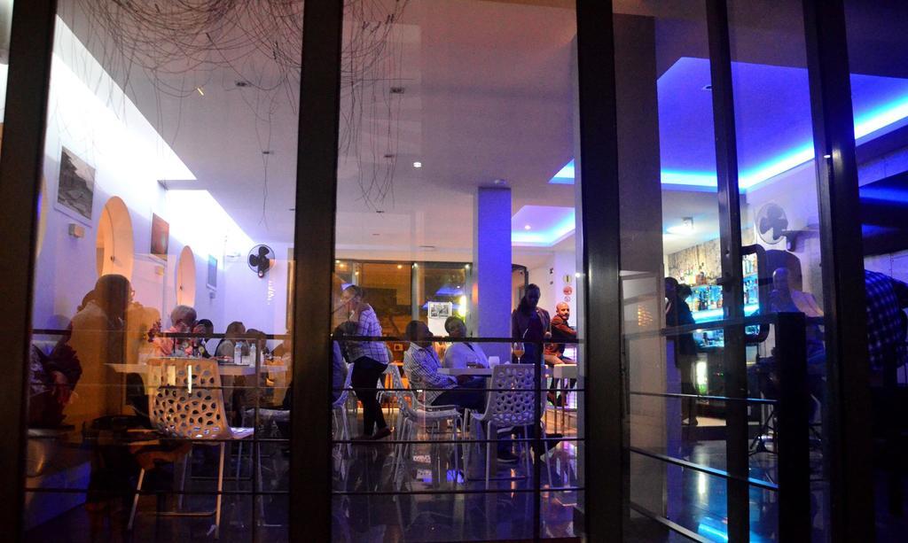 Cap vert ile de sao vicente mindelo hotel prassa bar