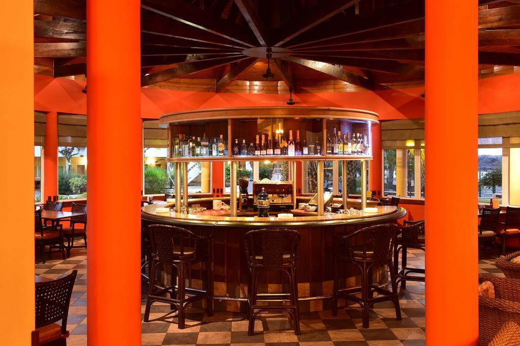 Cap vert ile du cap vert santiago pria hotel pestana tropico bar cocktail