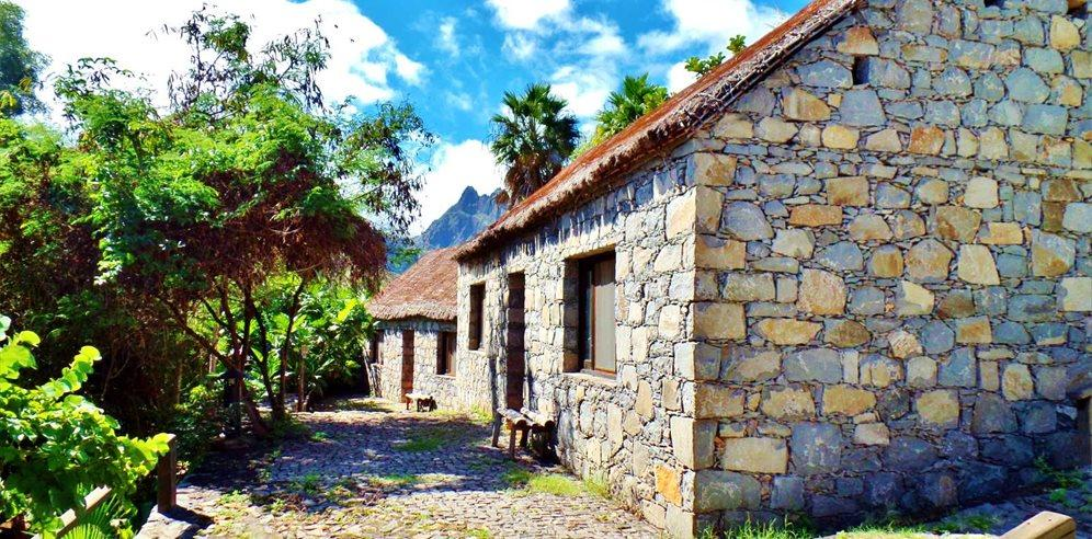 Cap vet ile de santo antao hotel pedracin village bungaloxs