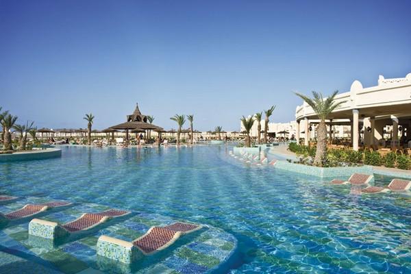 Image sejour/cap vert boa vista hotel riu karamboa vue piscine bar
