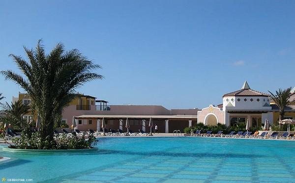 Image sejour/cap vert boavista hotel iberostar piscine
