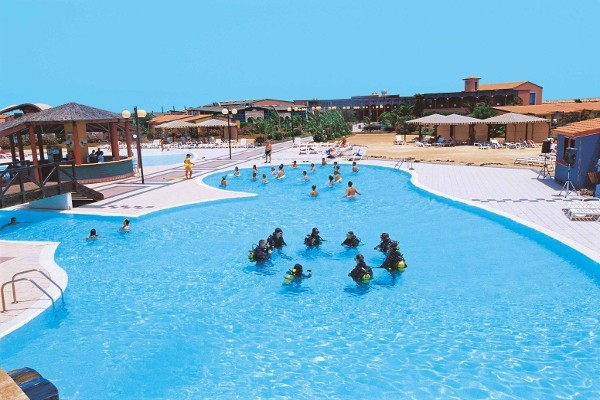 Image sejour/cap vert le de sal hotel farol bravo club piscine animation