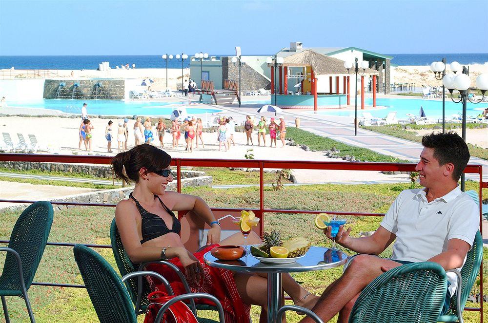 Image sejour/cap vert le de sal hotel farol bravo club terrasse
